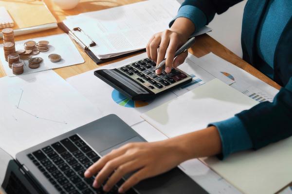Reducción de costes: gestión de flotas en empresas de servicios profesionales.
